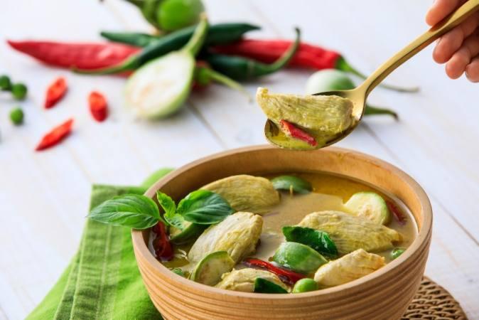Ini Makanan Populer dan Favorit di Thailand