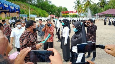 Photo of Serahkan SK CPNS, Bupati Madina: Jadilah Sebagai Pelopor Pembangunan