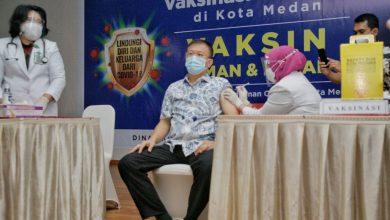 Photo of Ketua DPRD Medan Hasyim SE Ajak Masyarakat Sukseskan Vaksinasi Covid 19