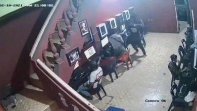 Photo of Polsek Sunggal Selidiki Video Viral Pemuda Dibacok di Warnet