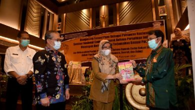 Photo of Sanusi Pane Sangat Layak Jadi Pahlawan Nasional