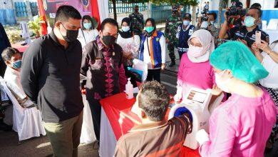 Photo of Wali Kota Medan Tinjau Pelaksanaan Vaksinasi Covid-19 di Terminal Amplas