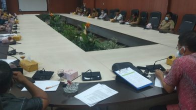 Photo of DPRD Medan Kecewa Dinas Kebersihan dan Pertamanan Biarkan Pohon Ditebang