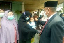 Photo of Kunjungi Keluarga Alm Ilham Pane, Gubsu : Kalau Ada Kekurangan Jangan Segan Beritahu Kami