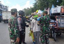 Photo of Sinergitas TNI-Polri Bagikan Masker di Tanjungmorawa