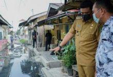Photo of Tinjau Jalan Rusak dan Tergenang Air, Bobby: Saya Tidak mau Tau, Ini Harus Kalian Kerjakan