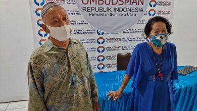Photo of Datang ke Ombudsman, Nenek Halimah Menangis lahannya Tak Dibayar Pemko Medan