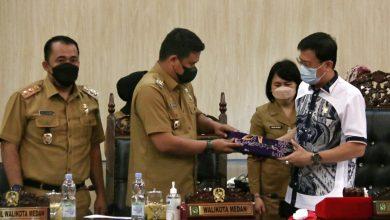 Photo of DPRD Medan Gelar Paripurna Penyampaian Nota Pengantar Wali Kota Terkait Ranperda