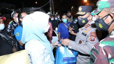 Photo of Kapoldasu Tegaskan Warga  2 Lingkungan di Medan Jalani Isolasi Mandiri