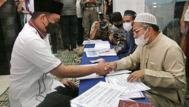 Photo of Tunaikan Zakat Fitrah, Wali Kota Medan Imbau Takbiran di Masjid