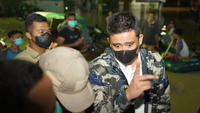 Photo of Pagi Buta, Bobby Nasution Tinjau Lokasi Banjir