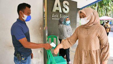 Photo of Nawal Lubis Pastikan Protokol Kesehatan di Aek Sijornih