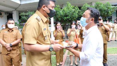 Photo of Honorer Kebersihan Terharu Dapat Nasi Tumpeng Dari Wali Kota Medan