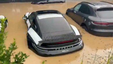 Photo of Dealer Porsche Terendam Banjir, Mobil Mobil Miliaran Jadi Korban