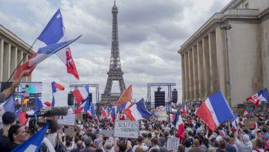 Photo of Puluhan Ribu Orang di Dunia Unjuk Rasa Protes Vaksin Covid-19 dan Lockdown